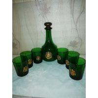 Антикварный набор из зелёного стекла, графин, 6 стаканов. Золочённый герб Саксонии.