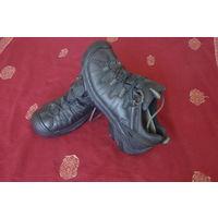 Трекинговые ботинки KEEN