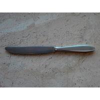 Нож столовый посеребренный клеймо 90 Rostfrei Германия длина 22 см.