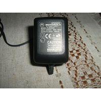 Зарядное устройство для телефона  MOTOROLA.