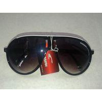 Солнцезащитные очки CARRERA с чехлом