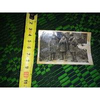 Фото карточка друзей с войны.