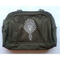 Женская сумочка с вышитым павлином (темно-зеленая, ткань)