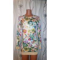 Платье с цветочным принтом 42р