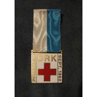 Красный крест  DRK  знак жетон