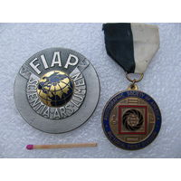 Медали фотоконкурса FIAP (1983) и Monochrome Photography Awards (1984) Сергея Павленко
