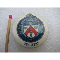 Знак. Полиция метрополитена г. Торонто. Канада