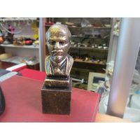 В.И. Ленин, полистоун, 12 см.
