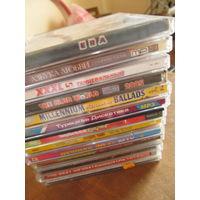 Набор музыкальных дисков разных