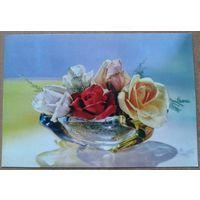 Розы в вазе. Италия. Начало 1970-х.