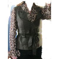 В подарок к купленной одежде К 8 марта качественная одежда  Безрукавка Жилетка ( Германия ) + Блузка  Нарядные 46-48