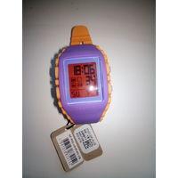 Часы Reebok RF-WZ1-G9-PUPU-CB спортивные кварцевые, оригинал, новые
