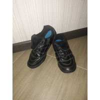 Кроссовки - ботиночки для мальчика размер 37.