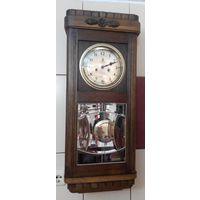"""Большие, 82см,  настенные часы с витражным стеклом  """"Густав Бейкер"""". Германия, начало прошлого"""