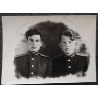 Фото молодых лейтенантов. 1950-е. 8.5х12 см.