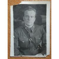 Фото старшего лейтенанта. 1943 г. 5.5х8 см