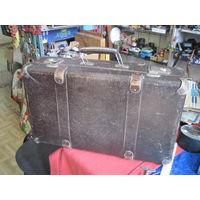 Старый чемодан 55х32х17 см.