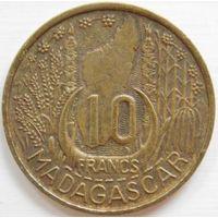 5. Мадагаскар 10 франков 1953 год.