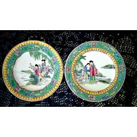 Японская живопись по фарфору.Имари ,Кутани декоративная тарелка. Гейши на рыбалке и Гейши на берегу реки. Анткварный раритет.