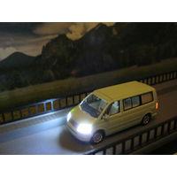 Модель Volkswagen T5 California (LED 12 вольт). Масштаб HO-1:87.