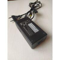 Універсальная зарадка 15-26V 70W Universal Notebook Adapter