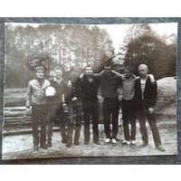Фото молодежи 1970-х. 8.5х11 см.