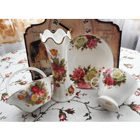 Набор посуды для чая . Розы . Красивый . 4 предмета .Фарфор .  High quality porcelain