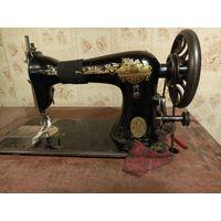 Швейная машинка Singer со столешницей