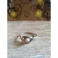 Кольцо винтажное с жемчужинкой. Серебро. 925 пр.16р.