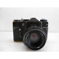 Фотоаппарат Зенит-TTL чёрный, видавший виды, с объективом Гелиос-44М 1980 г.