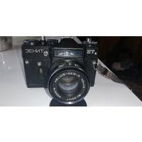 Фотоаппарат ЗЕНИТ. Объектив Гелиос 44М-5. Не С рубля