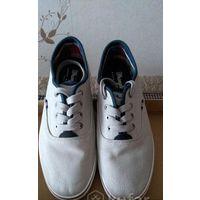 Светлые мокасины(летние туфли)