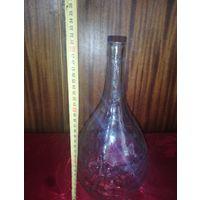 Старинная бутылка на 1л. Из белого толстостенного стекла.