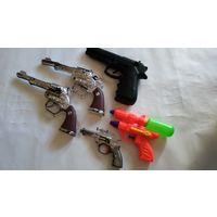 Пистолеты одним лотом