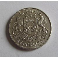 2 лата 1925 серебро 10 гр.