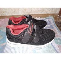 Новые кроссовки для мальчика, размер 31