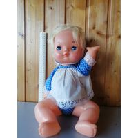 Пластмассовая кукла