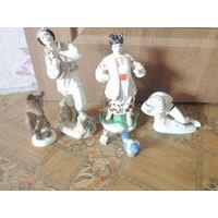 Фарфоровые статуэтки-8 штук