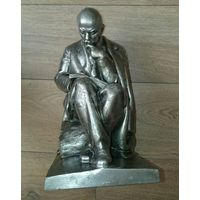 Ленин за работай около 30 см