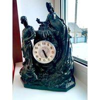 Шикарные, в идеальном состоянии каминные часы Хозяйка медной горы!