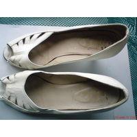Туфли женские белые б/у