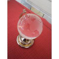 Глобус сувенирный хрустальный.