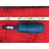 Оригинальный советский  кислородный  баллон небольшого  размера.