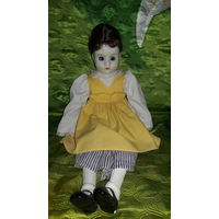 Куколка мягконабивная с фарфоровой головкой