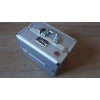 Кейс, ящик, чемоданчик с кодом