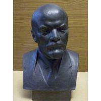 Ленин  (ск.Завалов)