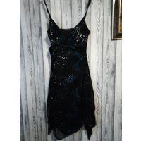 Платье украшеное пайетками