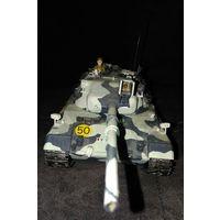 Сборная модель танка Leopard.   Tamiya