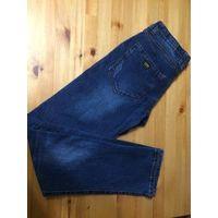 Ассорти мужских джинсов на 44-46 размеры.