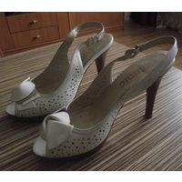 Туфли из натуральной перфорированной кожи в отличном состоянии